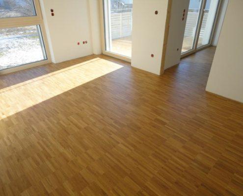 wohnanlage korbinianspark 700 m industrieparkett eiche verklebt fussbodentechnik rosenheim. Black Bedroom Furniture Sets. Home Design Ideas