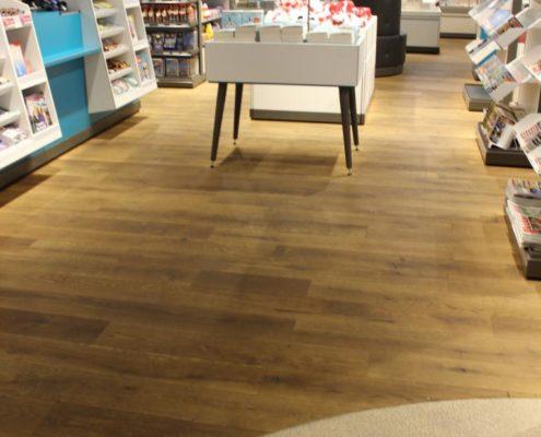 Holzboden im Buchladen