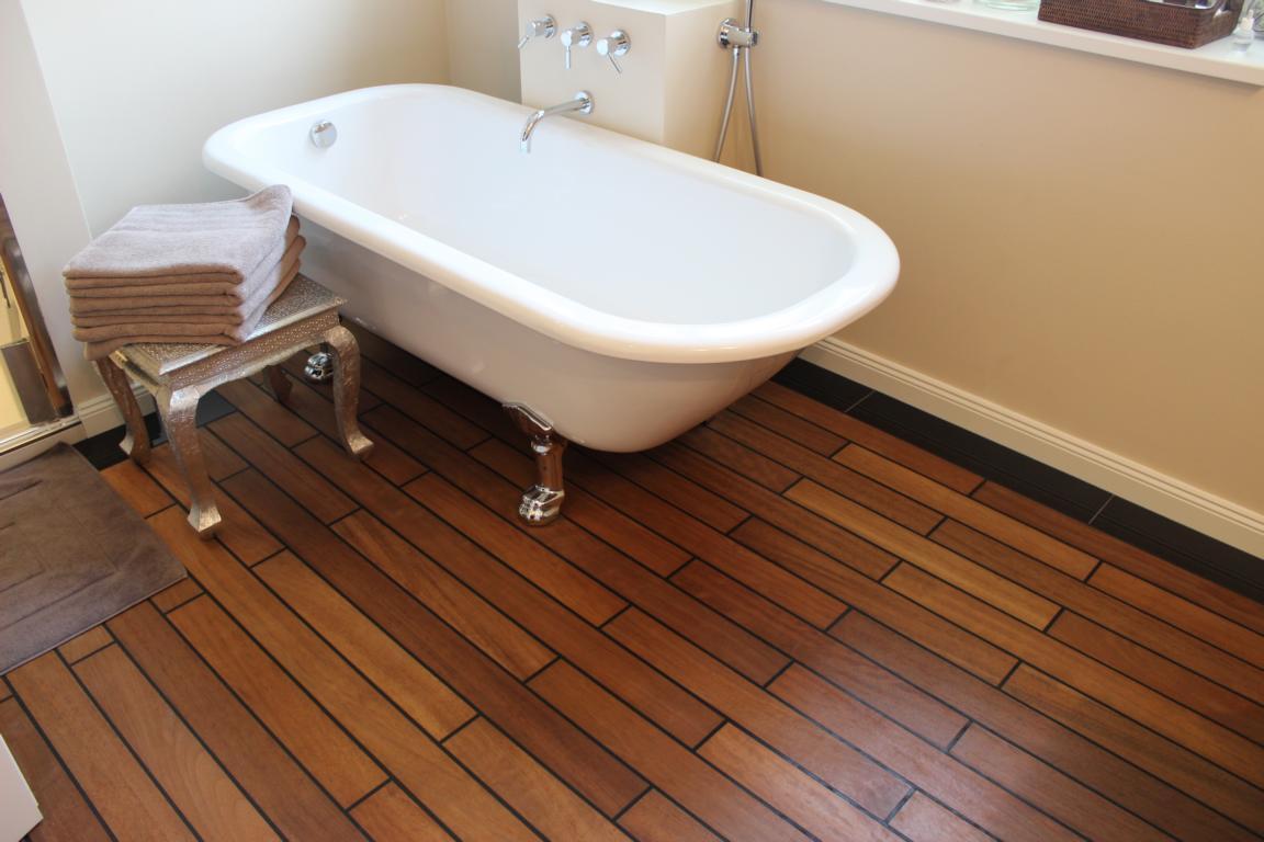 Parkettboden im Bad, geht das ? Fussbodentechnik Rosenheim Miesbach